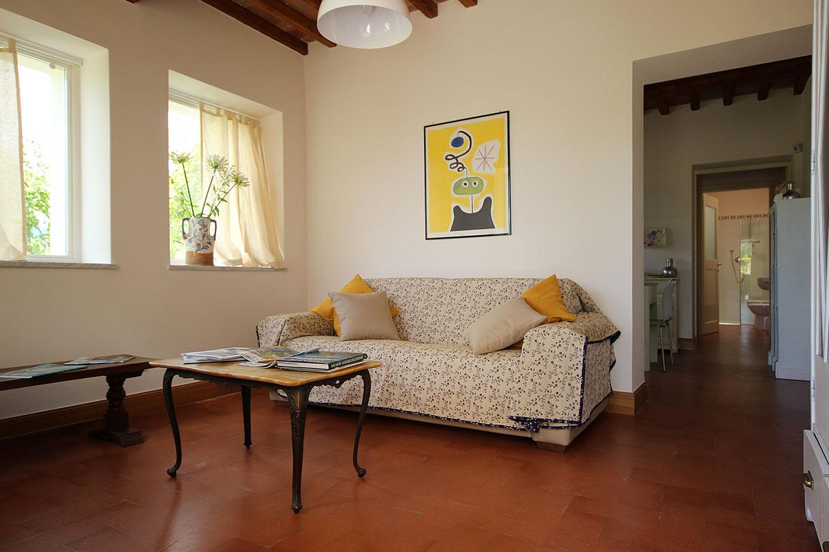 casa_vacanza_borgo_del_ponte_appartamento_cantina_001