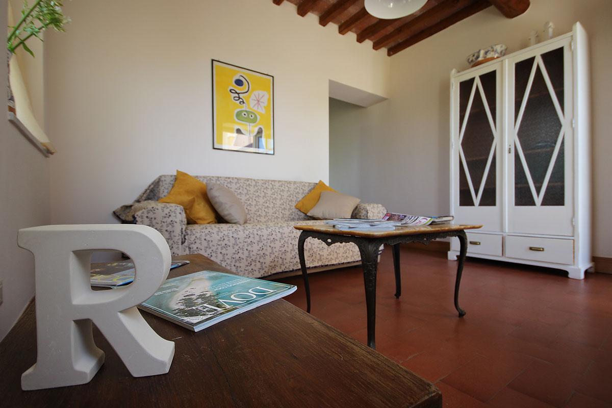 casa_vacanza_borgo_del_ponte_appartamento_cantina_002