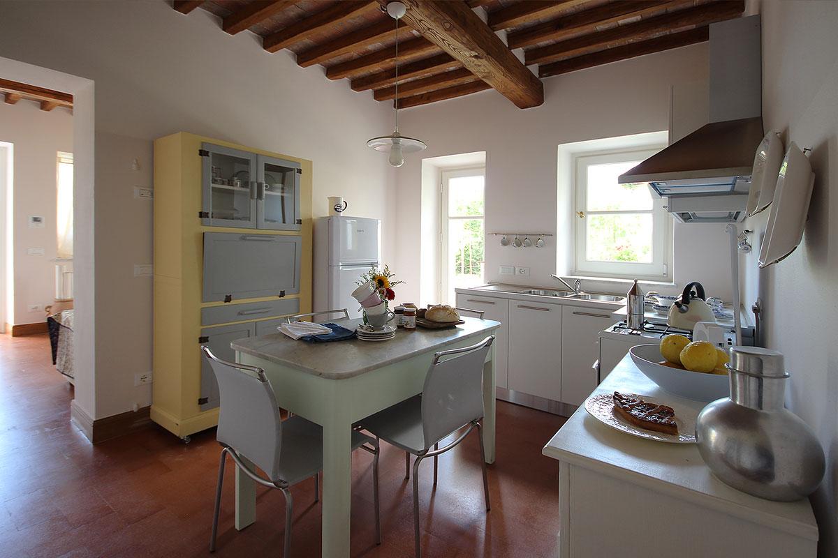 casa_vacanza_borgo_del_ponte_appartamento_cantina_04