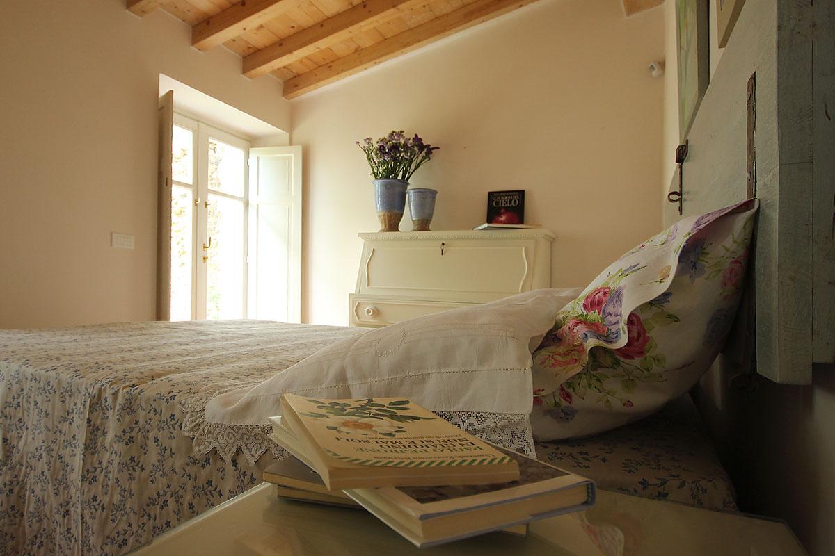 casa_vacanza_borgo_del_ponte_appartamento_cantina_08