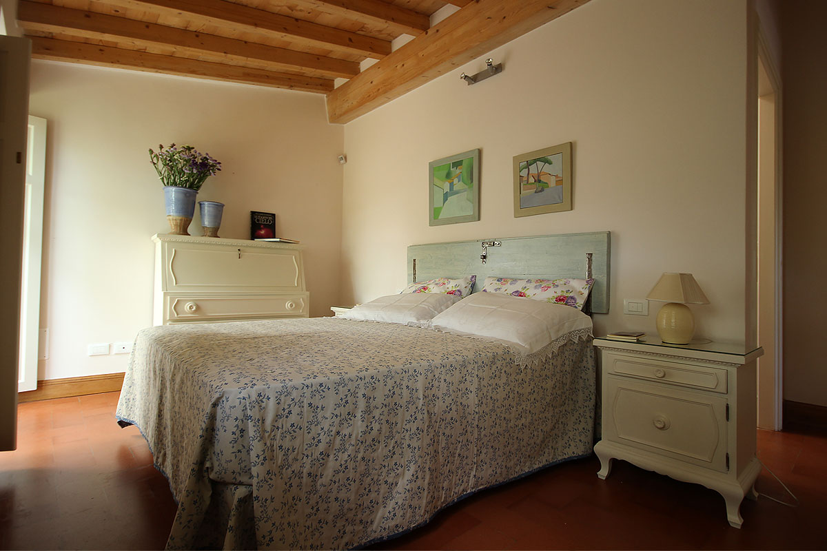 casa_vacanza_borgo_del_ponte_appartamento_cantina_09