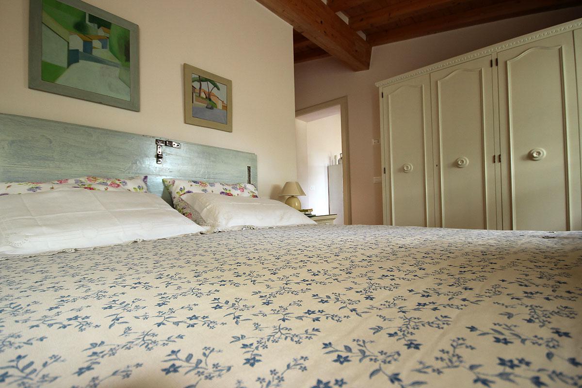 casa_vacanza_borgo_del_ponte_appartamento_cantina_10